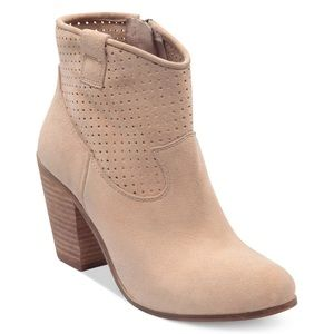 Vince Camuto Holden suede ankle boot